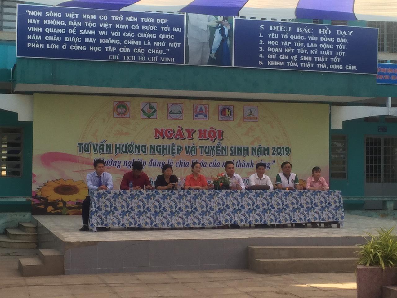 Tư vấn tuyển sinh tại Trường THCS Trà An